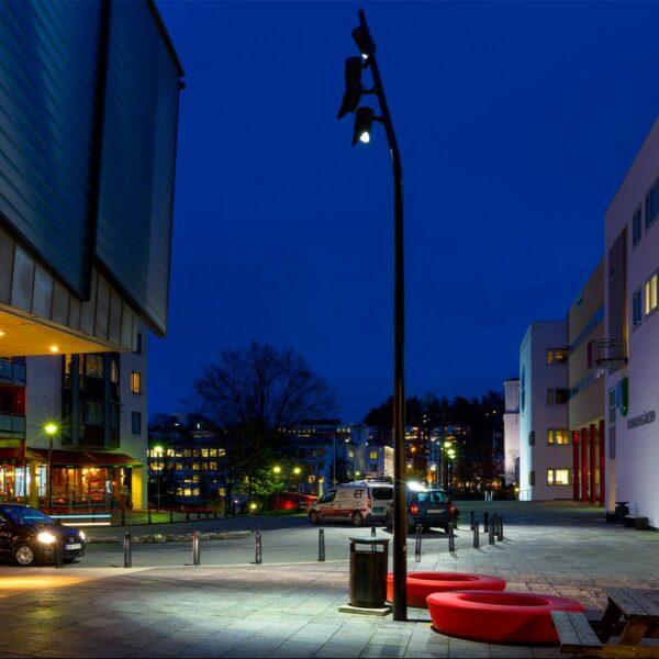 Lampione LED illuminazione architetturale