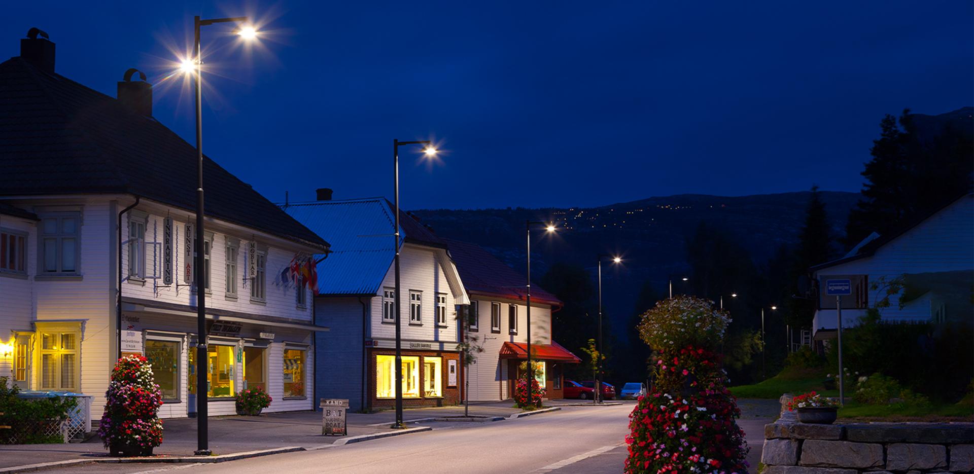 Illuminazione LED a risparmio energetico su strade cittadine e residenziali - DELOS - AEC Illuminazione