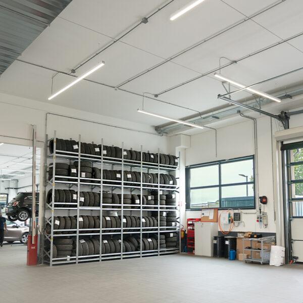 Illuminazione LED di capannoni e interni industriali.
