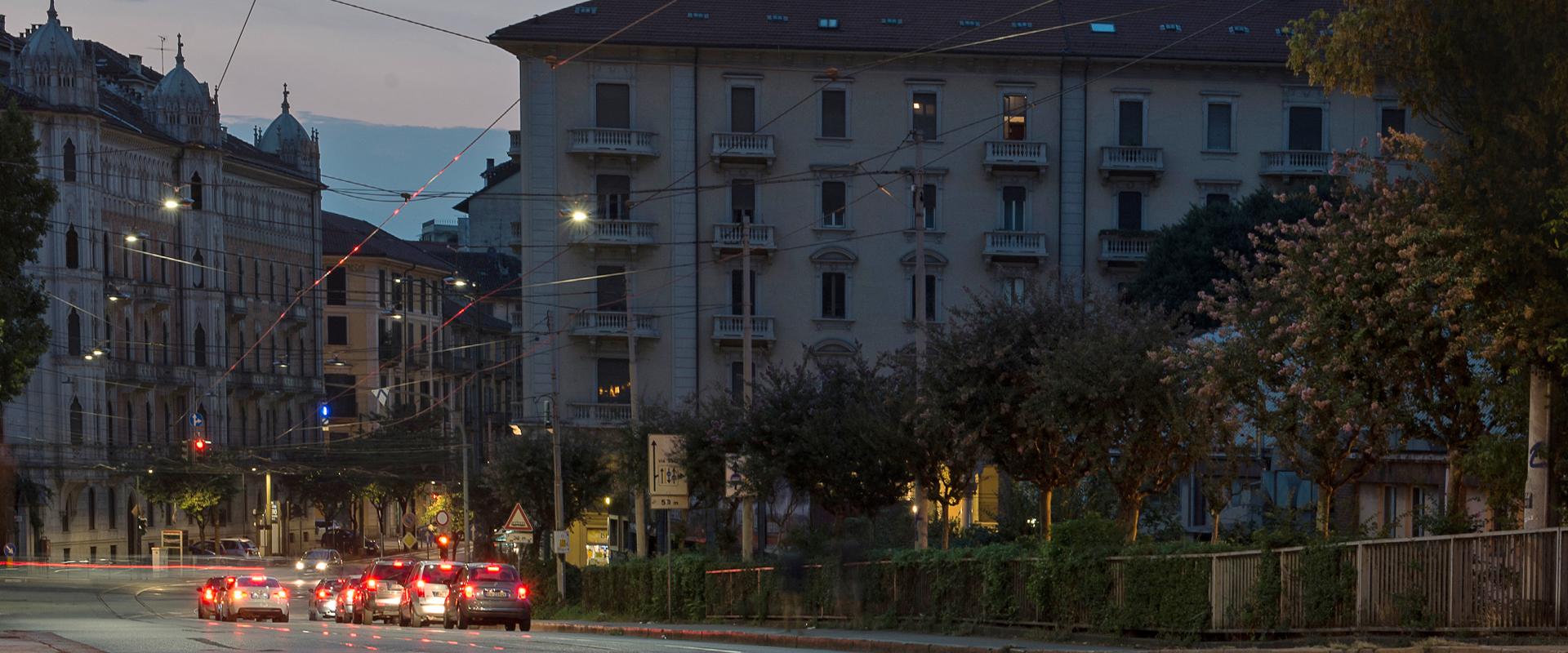 Illuminazione LED stradale e urbana a tesata