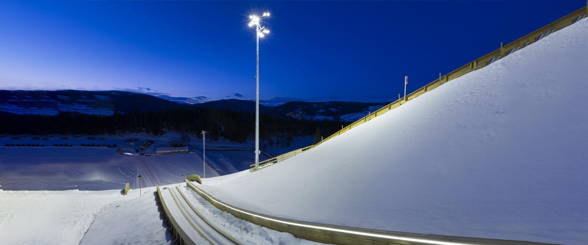 Faro LED ad alta potenza per grandi aree.