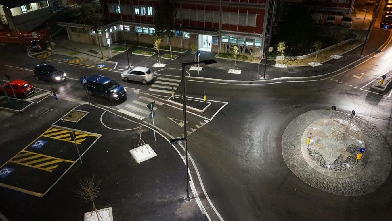 Soluzioni per illuminazione pubblica a LED di strade, vie del centro e piazze