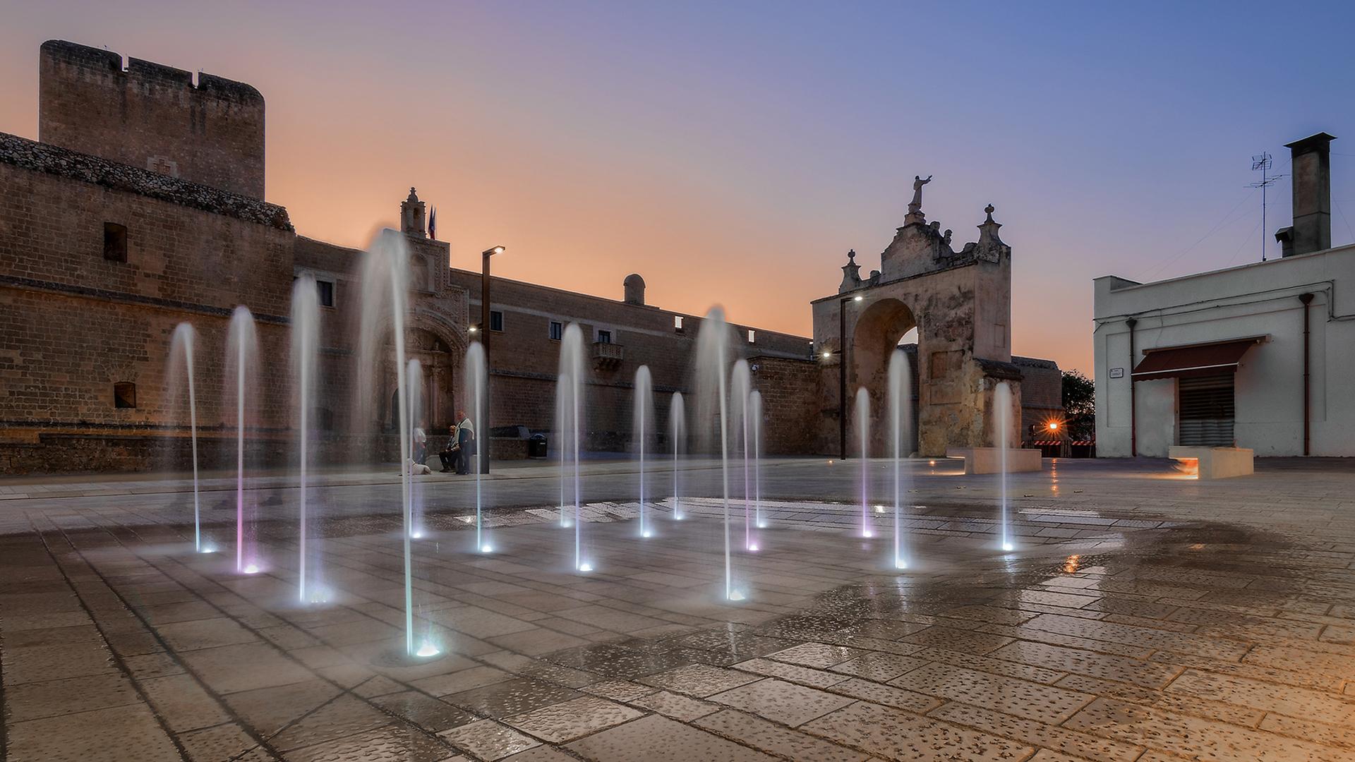 Lampioni di design per illuminazione a LED di piazza con fontana
