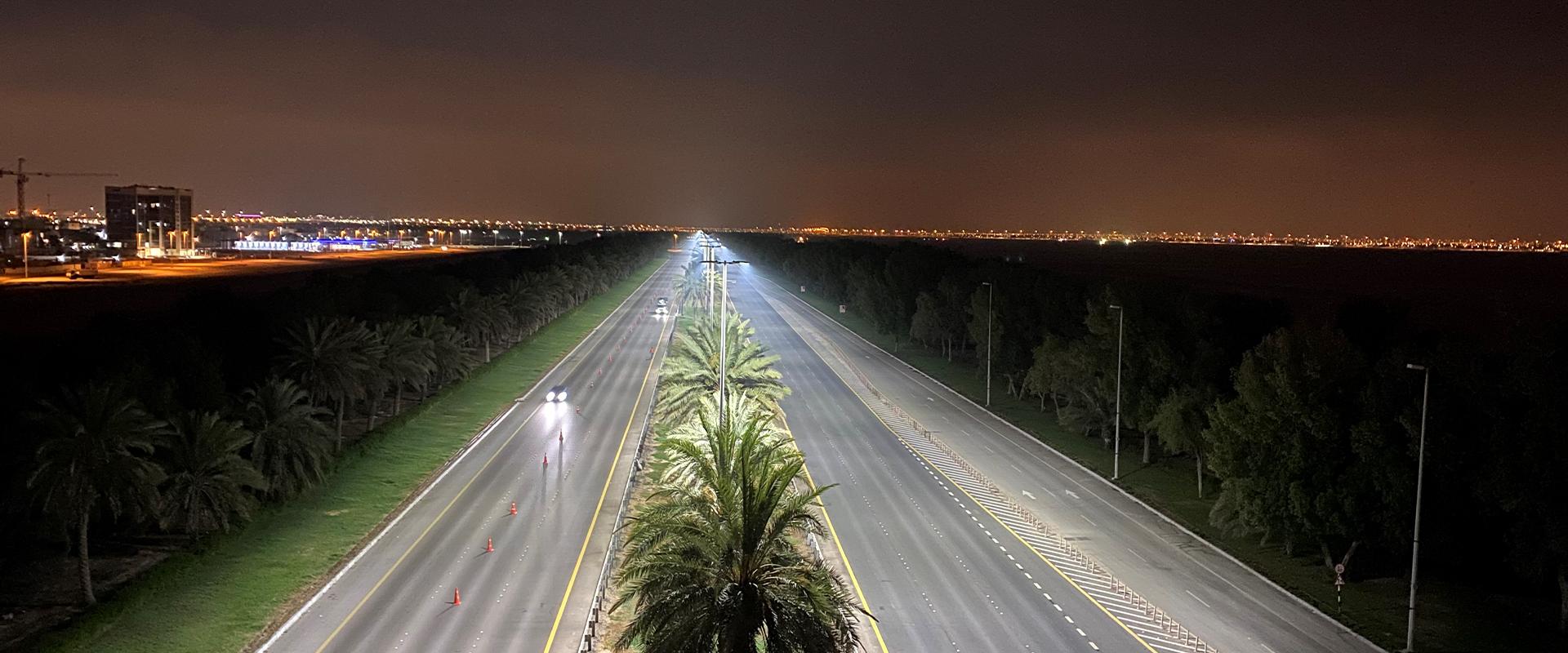 Illuminazione stradale LED di Abu Dhabi