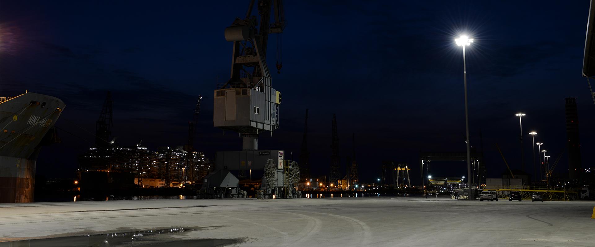 Faro LED per porti industriali