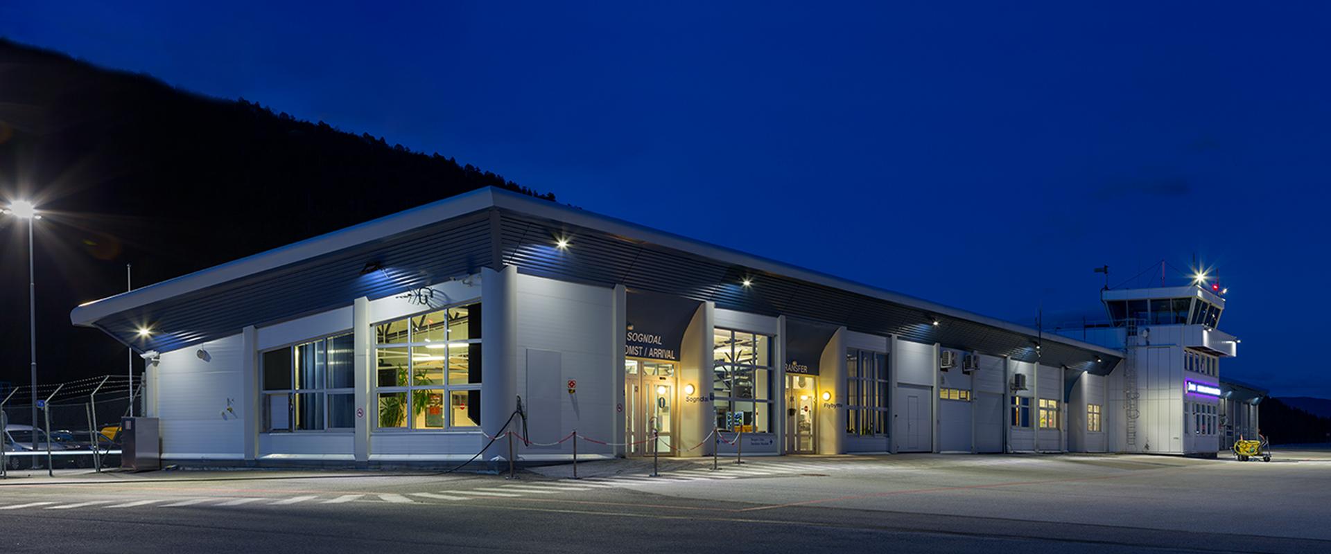 Fari LED aeroporti