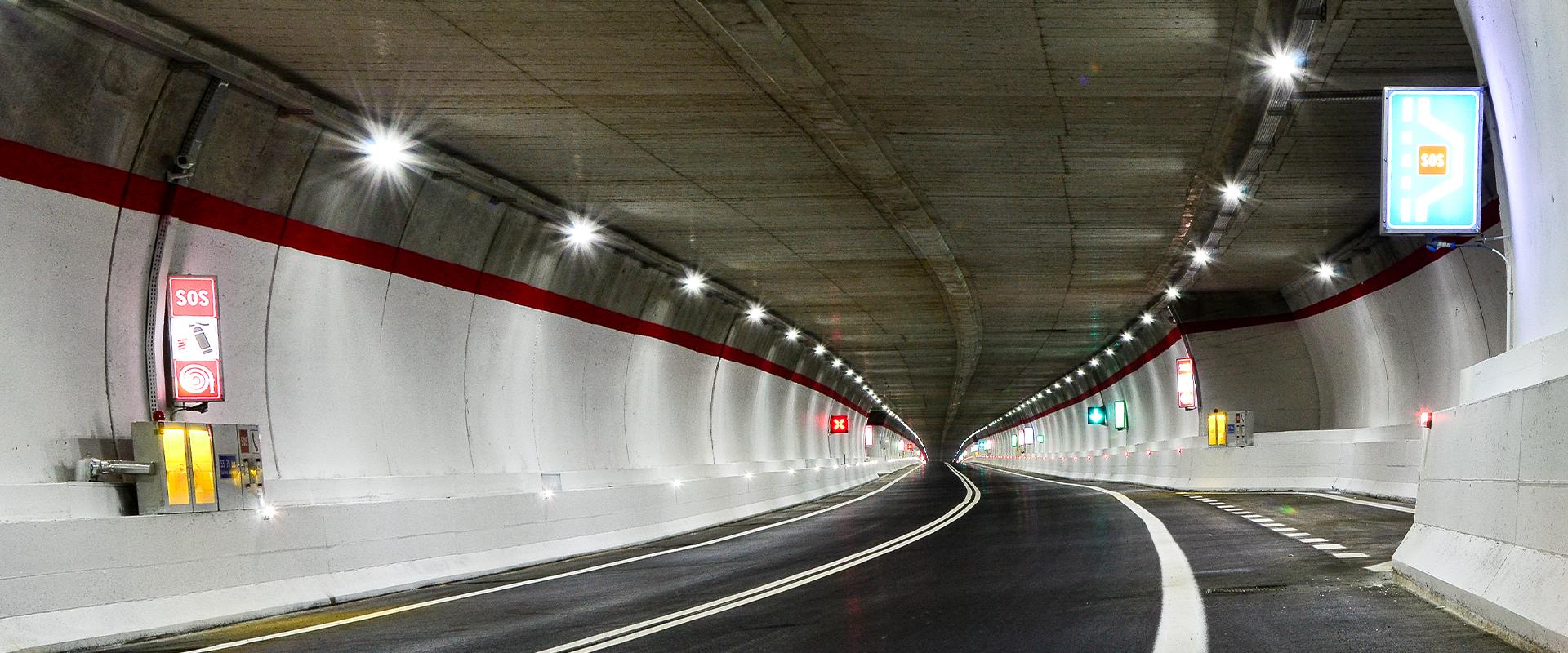 Faro stradale per illuminazione pubblica