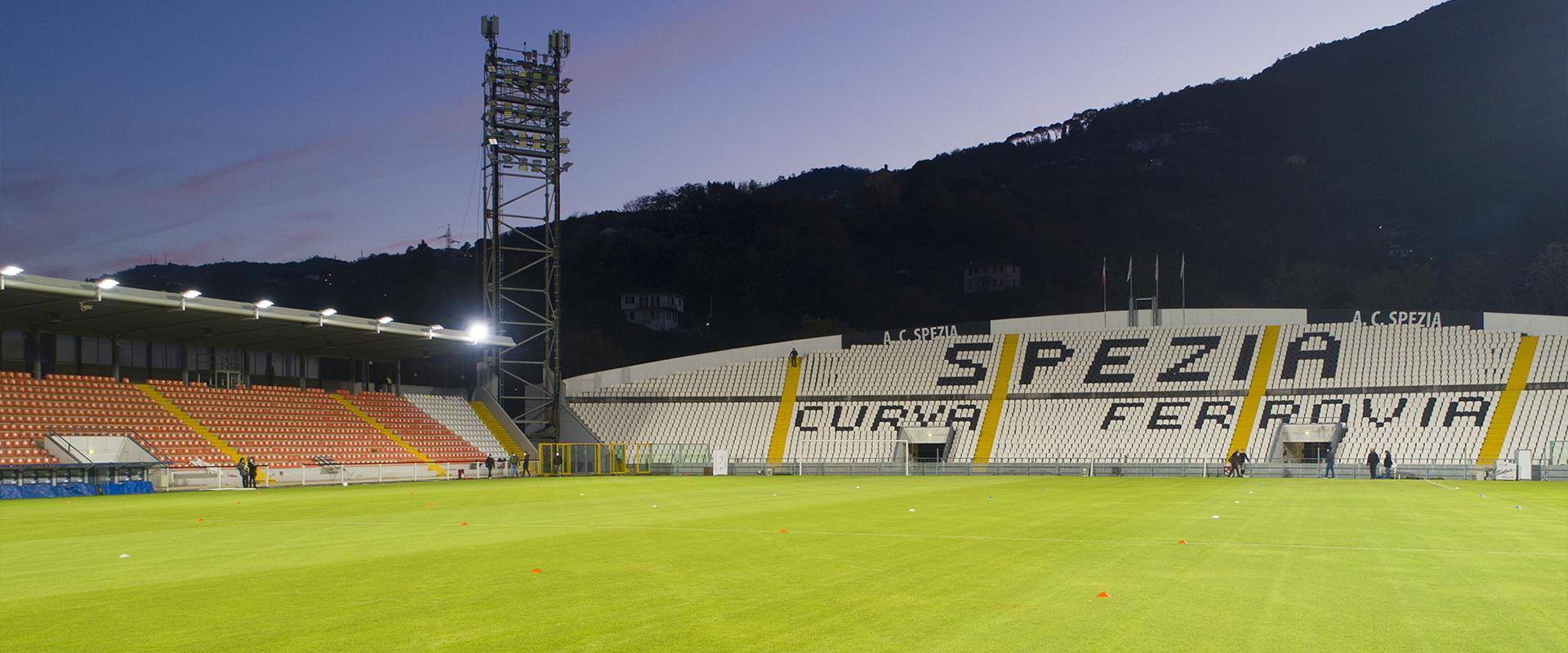 Faro LED da stadio