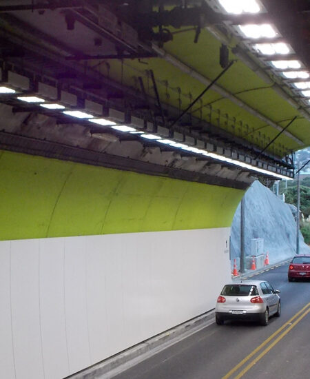 Proiettori LED per tunnel stradali