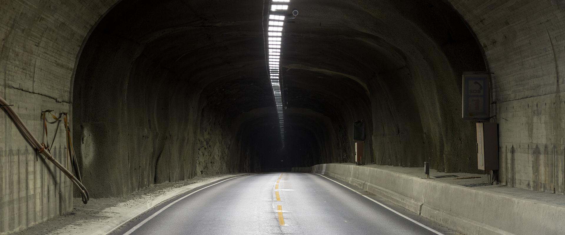 Fari led gallerie stradali