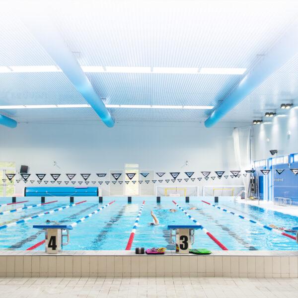 Fari LED potenti per piscine