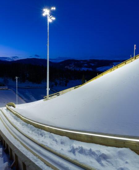 Illuminazione LED trampolini da sci