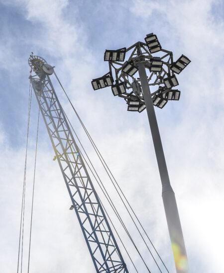 Illuminazione porto industriale con proiettori a LED ad elevata efficienza energetica
