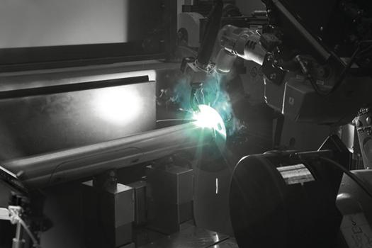 Saldatura palo - AEC Pole Division - Stabilimento produzione pali illuminazione pubblica